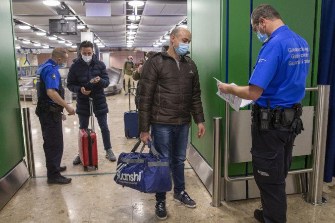 Nemecko bude od pasažierov vyžadovať negatívny výsledok testu, bez neho vás do lietadla nepustia
