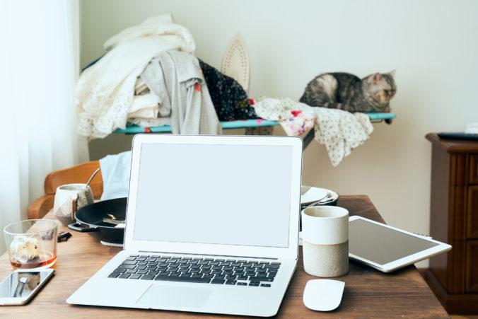 Práca z domu sa stáva novým štandardom. Tomu však nenahráva čoraz horšia dostupnosť bývania