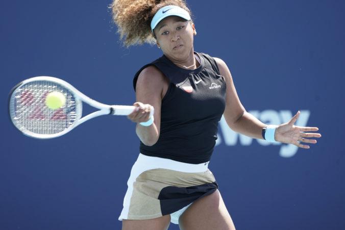 Osaková postúpila do štvrťfinále na turnaji WTA v Miami, víťaznú sériu natiahla na 23 zápasov (video)