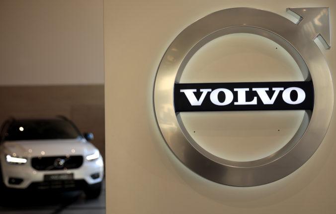 Volvo Cars dá zbohom spaľovacím motorom a hybridom, od roku 2030 budú všetky autá čisto elektrické