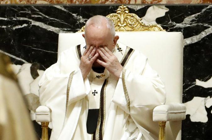 Pápež požehnal Mestu a svetu, vyzval na spravodlivé rozdelenie vakcín a odsúdil vojenské konflikty (video)