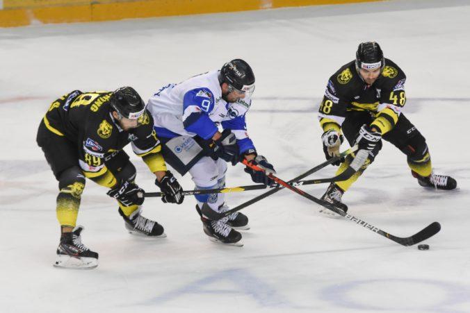 Poprad aj Slovan delí od postupu do semifinále play-off Tipos extraligy už len jediné víťazstvo