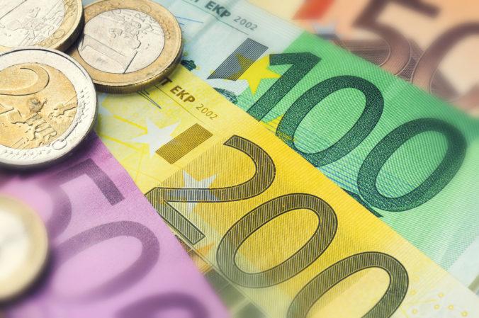 Čerpanie eurofondov bude rýchlejšie a jednoduchšie, Slovákom pomôže manuál s najčastejšími chybami