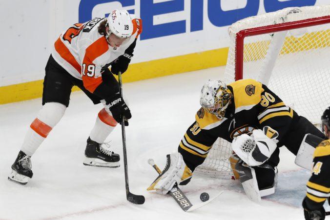 Haláka vylúčil zo zápasu koronavírus a Bostonu chýbal aj Rask, prehre s Philadelphiou už nič nezabránilo (video)