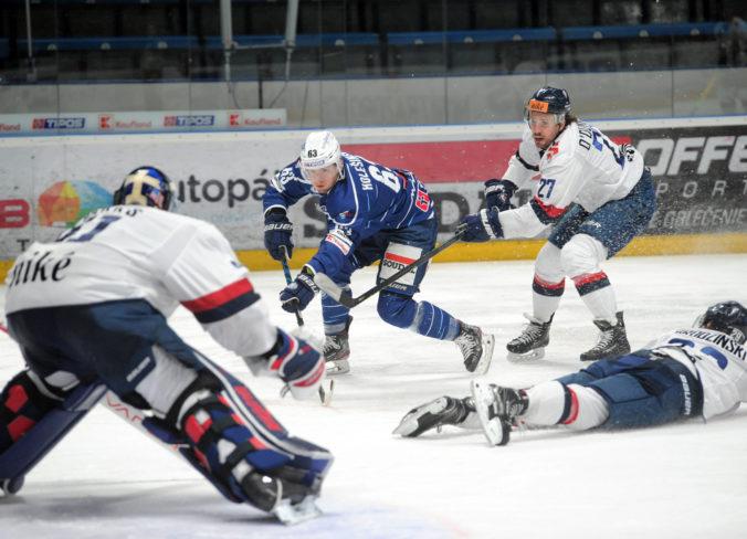Poprad vyradil Detvu a je v semifinále play-off Tipos extraligy, Slovan dostal v Nitre výprask (video)