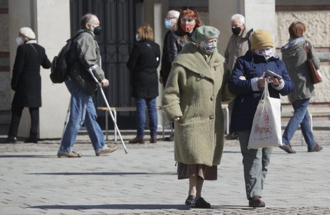 Poľsko predlžuje lockdown o ďalší týždeň, stále zápasí s vysokým nárastom prípadov koronavírusu