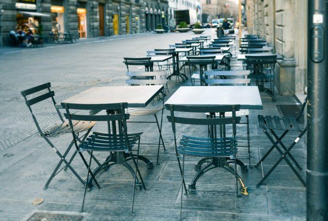 Pravidlá pre otváranie gastro prevádzok treba určite teraz, podnikatelia sa musia pripraviť na reštart