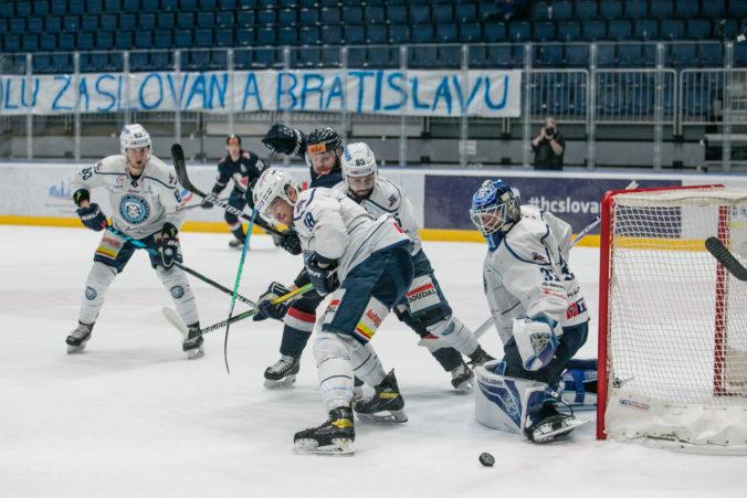 Slovan vyradil Nitru a po deviatich rokoch vyhral sériu play-off Tipos Extraligy (video)