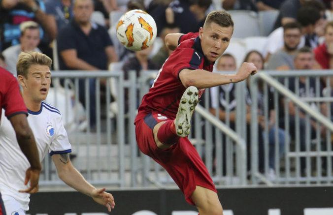 Denis Vavro strelil v La Lige gól, ale do vlastnej brány. Jeho Huesca napriek tomu vyhrala