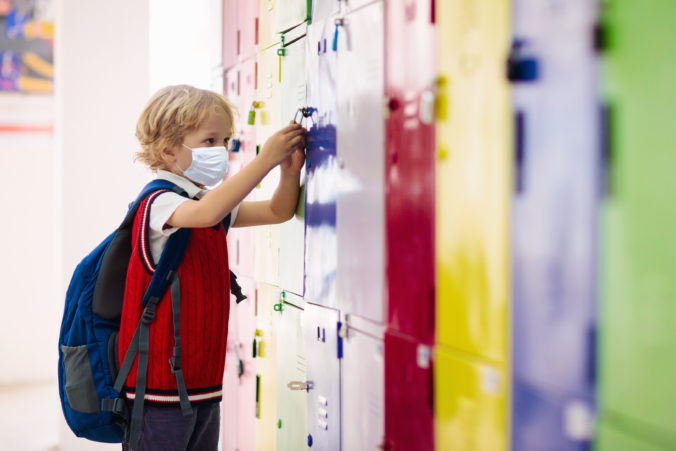 Rodičia pozor, po otvorení škôl nárok na pandemické ošetrovné už nebude automatický