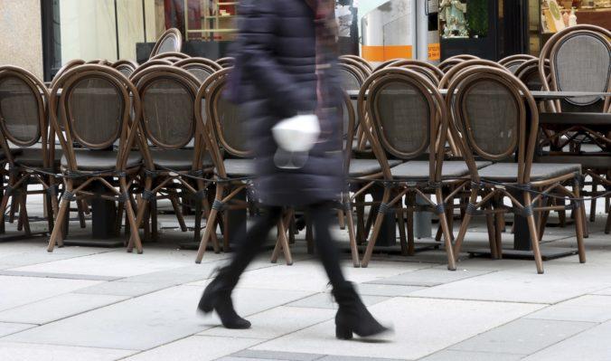 Viedeň predlžuje lockdown, zatvorená tak zostáva väčšina obchodov a služieb