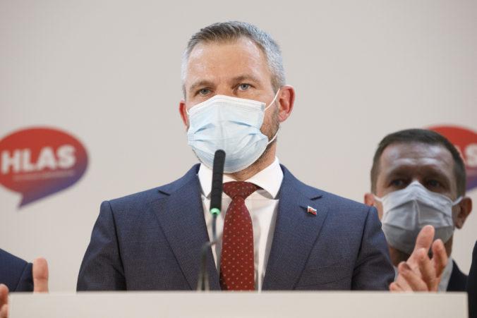 Hlas vyzýva Čaputovú k zverejneniu zmluvy o Sputniku, tajnosti znižujú dôveru Slovákov vo vakcínu
