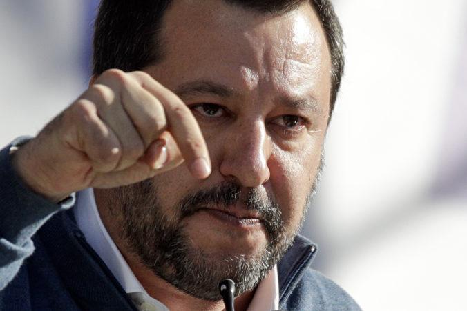 Matteo Salvini sa postaví pred súd, obvineniu čelí pre zákaz vylodenia migrantov