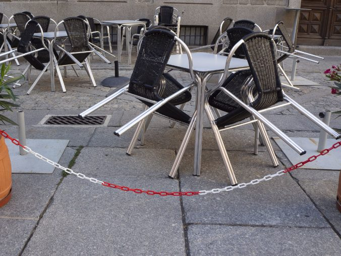 Gastro prevádzkovatelia žiadajú okamžité otvorenie terás a vyplatenie pomoci