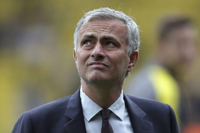 """Mourinho vraj skončil na lavičke """"kohútov"""", klub to zatiaľ nepotvrdil"""