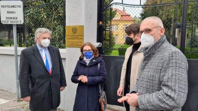 Útok na Českú republiku je útokom na Slovensko, poslanci sú znepokojení podozreniami o ruských agentoch