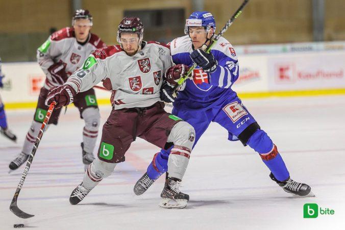 Slováci odštartovali prípravné zápasy pred MS v hokeji prehrou, Lotyšom podľahli po predĺžení