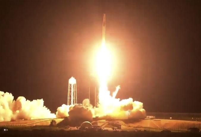 K ISS mieri loď Crew Dragon, vezie aj astronauta z Európskej vesmírnej agentúry