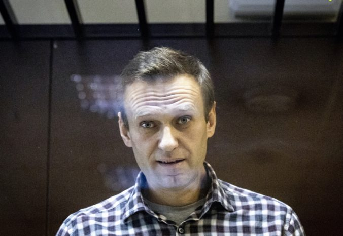 Uväznený ruský opozičný líder Alexej Navaľnyj končí s hladovkou, vyšetrili ho civilní lekári