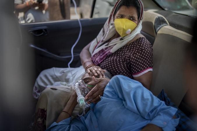 Pakistan ponúkol Indií pomoc, ničivá vlna koronavírusu vyčerpala indické zásoby pomôcok