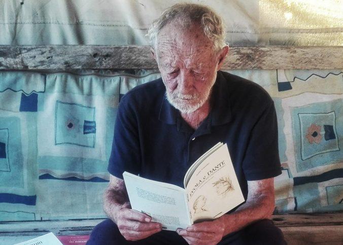 Zo samoty do malého bytu. Ostrov Budelli opúšťa jeho ochranca, ktorý tam žil sám vyše 30 rokov