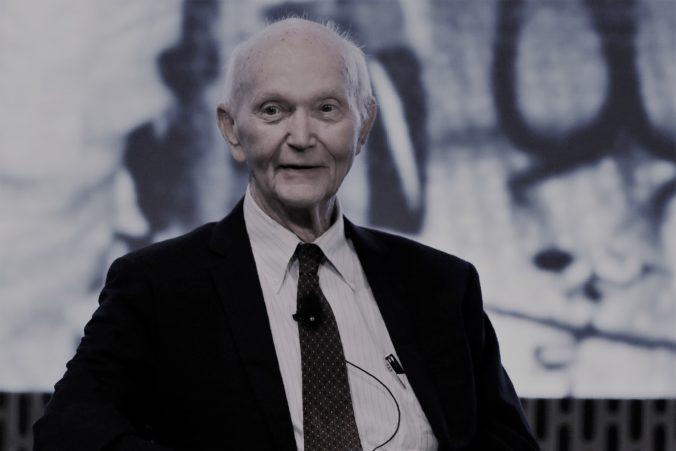 Michael Collins vo veku 90 rokov prehral boj s rakovinou, bol jedným z členov misie Apollo 11