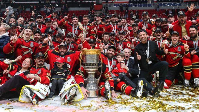 Hokejisti Avangardu Omsk po prvý raz v histórii získali Gagarinov pohár, vo finále KHL zdolali CSKA (video)