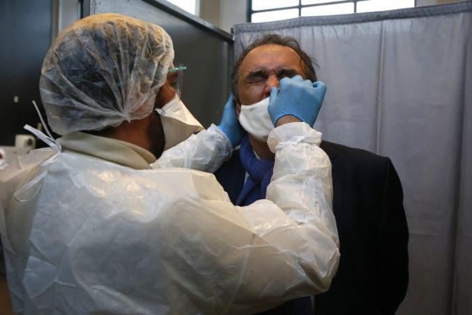 V Česku majú okrem indickej aj ďalšie mutácie koronavírusu, priznal minister zdravotníctva
