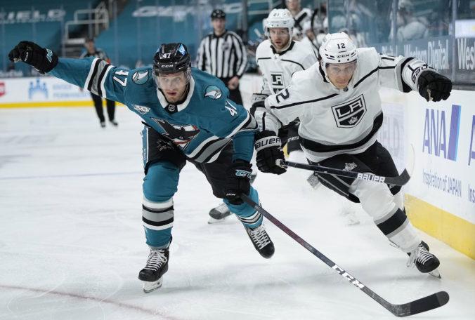 Do zápasov v NHL zasiahli Jaroš a Jurčo, ich tímy však prehrali. Tatar stále chýba Montrealu (video)