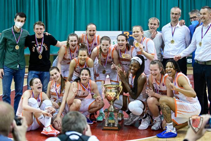 Basketbalistky Ružomberka skompletizovali majstrovský hetrik, historicky sa doťahujú na Košičanky