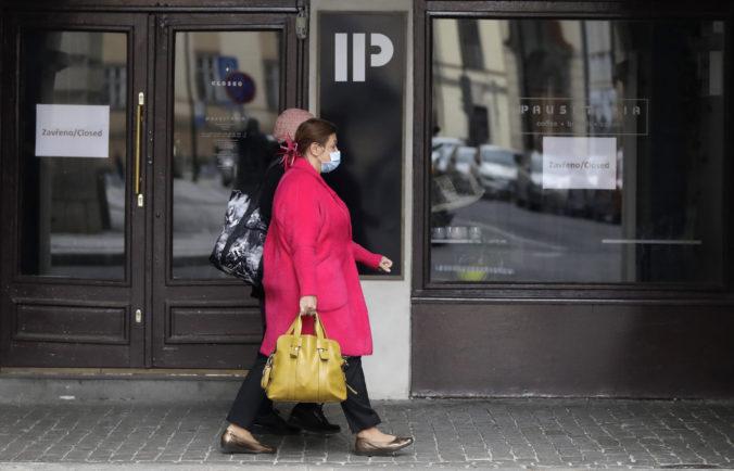 Česká vláda plánuje ďalšie uvoľňovanie a otváranie služieb, prehodnotí aj nosenie rúšok v exteriéri