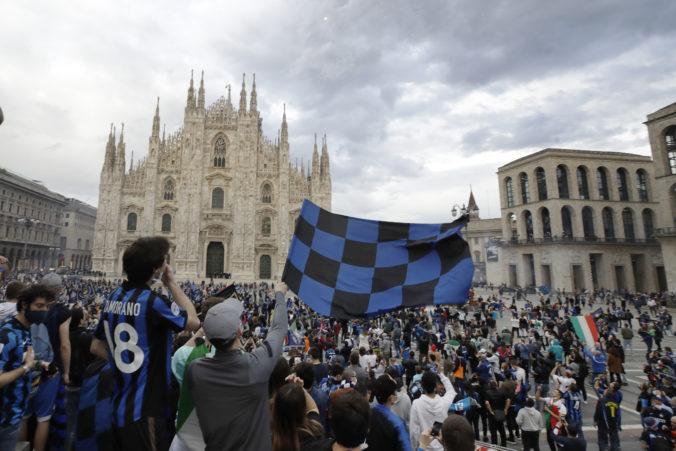 Fanúšikovia Interu nedbali na koronavírus a búrlivo oslavovali zisk titulu, ľudia žiadajú hlavu starostu