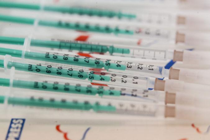 KĽDR varovala obyvateľov pred dlhým bojom s koronavírusom, štátny denník spochybnil vakcíny