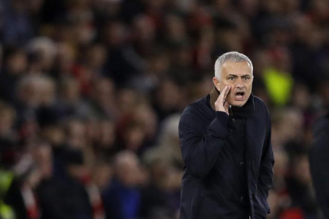 Mourinho sa z Anglicka sťahuje do Talianska, dohodol sa na spolupráci s AS Rím