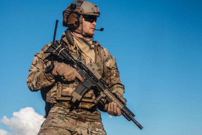 Armádne cvičenie vo Švédsku narušil koronavírus, domov poslali stovky vojakov