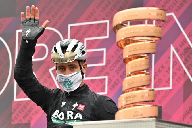 Sagan skončil tretí v 3. etape na Giro d'Italia, prekvapujúco trimfoval Taco van der Hoorn