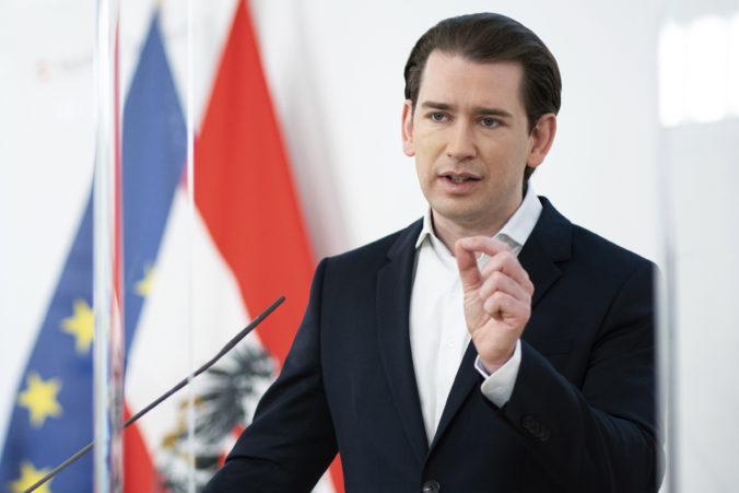 Rakúskeho kancelára vyšetrujú protikorupčné orgány, Kurz mal ponúkať výhody ruskému investorovi
