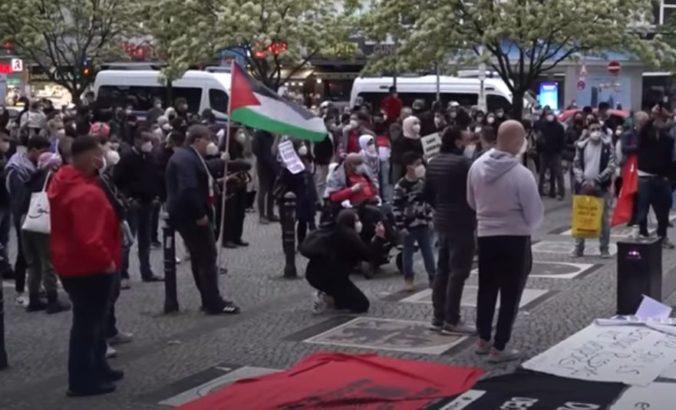 V Nemecku sa konali protiizraelské protesty, účastníci šírili nenávisť voči Židom