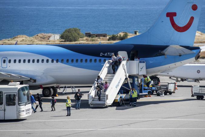 Grécko čaká na turistov, všetkých obyvateľov ostrovov majú úplne zaočkovať do šiestich týždňov