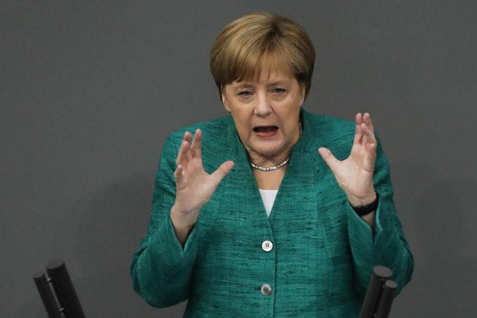 Merkelová odsúdila ostreľovanie Izraela a antisemitské demonštrácie v Nemecku tolerovať nemieni