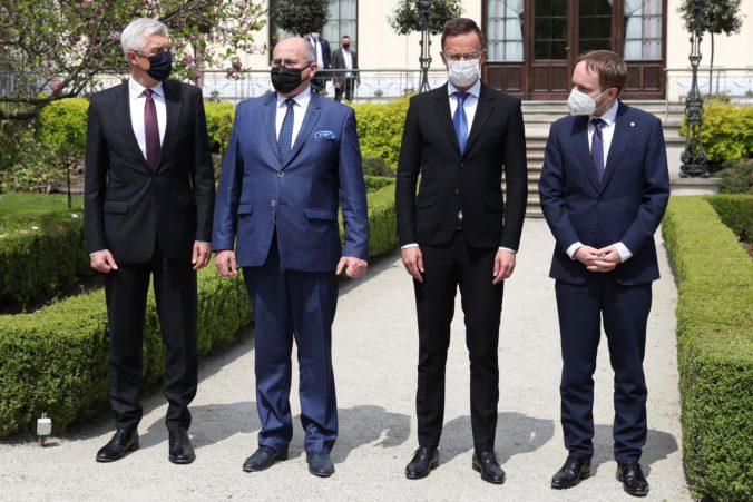 Ministri zahraničných vecí krajín V4 sa stretli v poľskom meste Lodž, diskutovali aj o boji proti koronavírusu