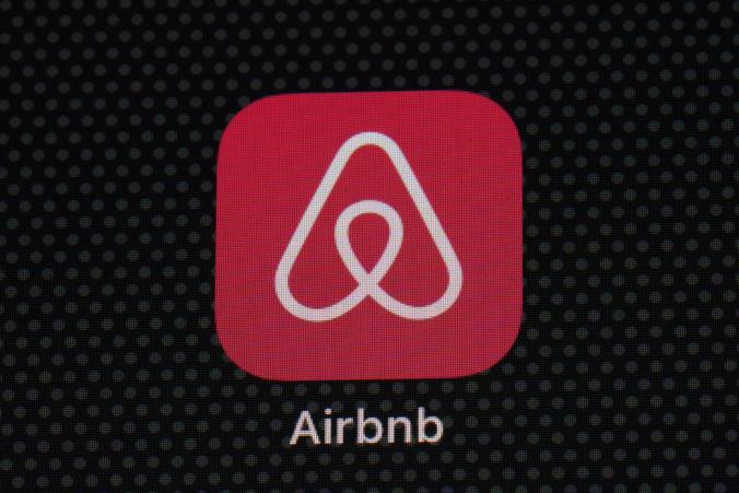 Spoločnosť Airbnb si v prvom kvartáli tohto roka pripísala viac ako trojnásobnú stratu