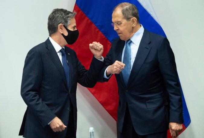 Lavrov a Blinken hovorili o sporoch medzi Ruskom a USA, o samite Putina s Bidenom neposkytli nové informácie