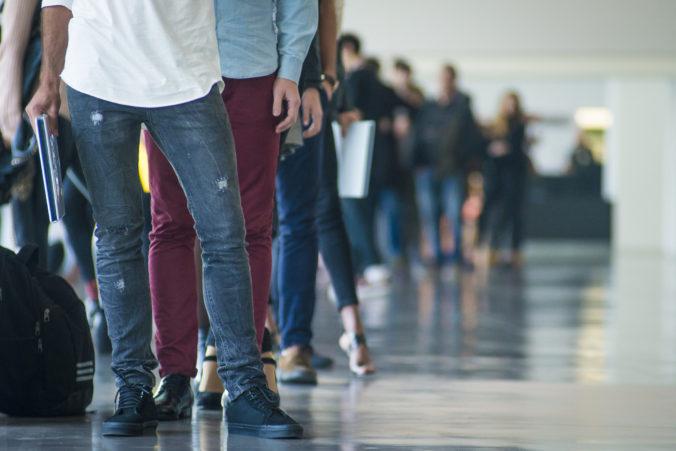 Miera nezamestnanosti na Slovensku stúpla, o svoju prácu prišli ďalšie stovky ľudí
