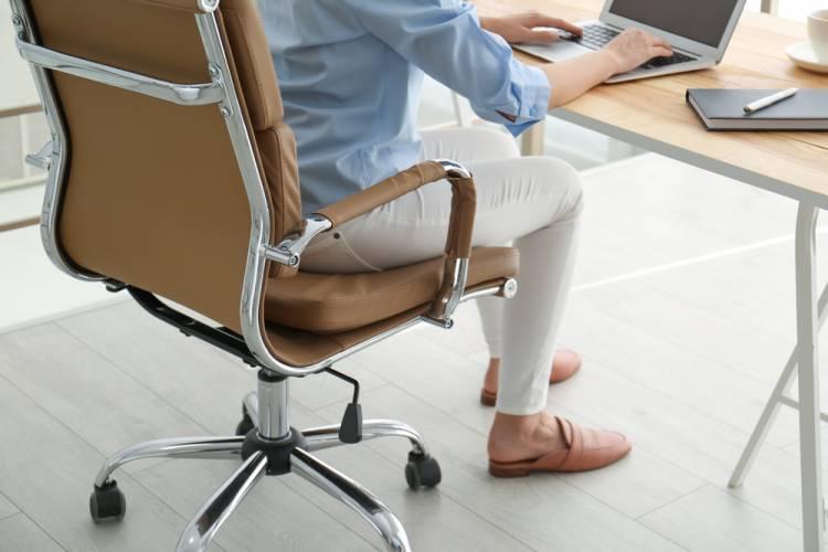 Predchádzajte zdravotným problémom zamestnancov v kancelárii