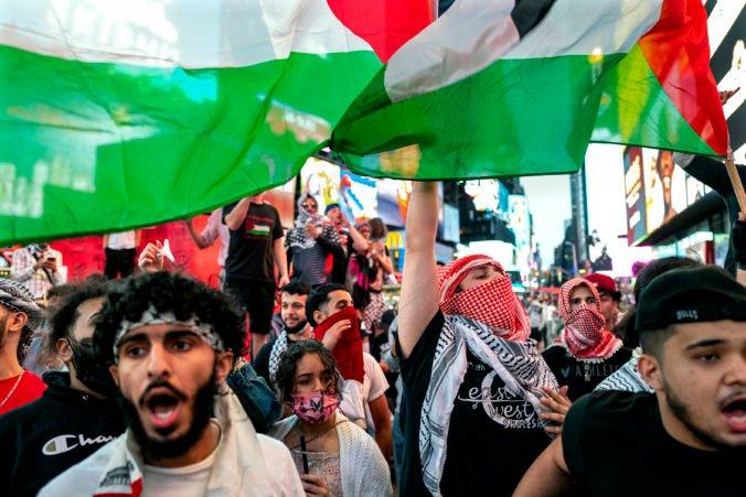 Izrael a palestínsky Hamas uzatvorili prímerie, bombardovanie si vyžiadalo vyše 240 obetí