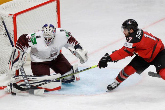 Lotyši využili na úvod MS v hokeji 2021 nezohratosť tímu Kanady. Zlepšíme sa, odkázal Connor Brown
