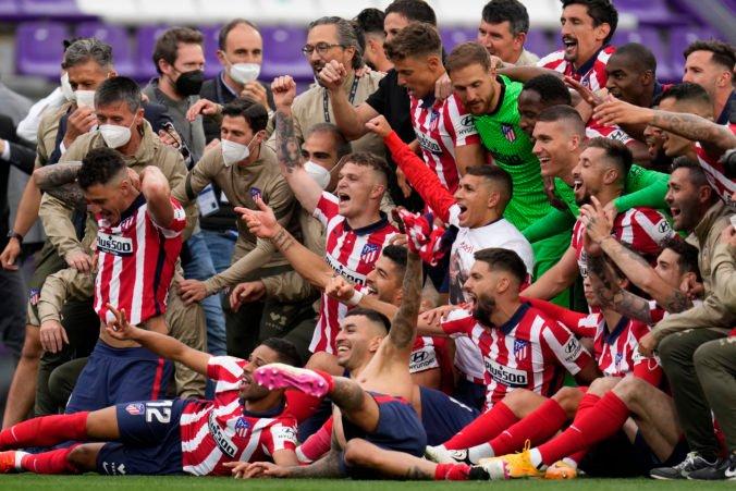 Atlético Madrid ovládlo La Ligu, radosť z titulu zatienila tragická nehoda 14-ročného fanúšika