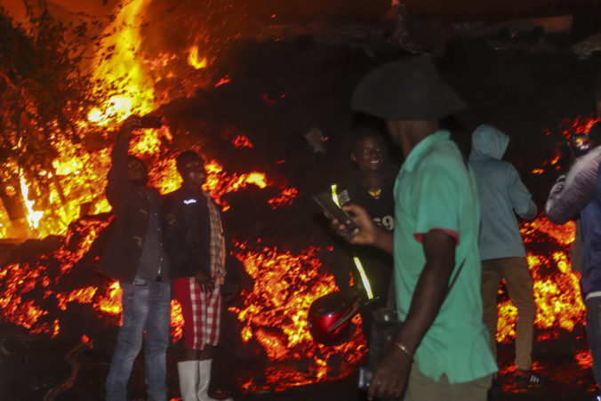 V Kongu vybuchla sopka Nyiragongo, tisícky ľudí utiekli zo svojich domovov (video)