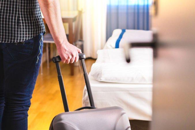 Ubytovacie zariadenia privítali v marci iba 34-tisíc hostí, tržby sú stále nízke